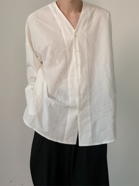 linen over cuffs v neck slit shirts(2colors)